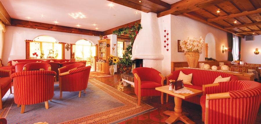 Austria_Seefeld_Seefelderhof_lounge.jpg